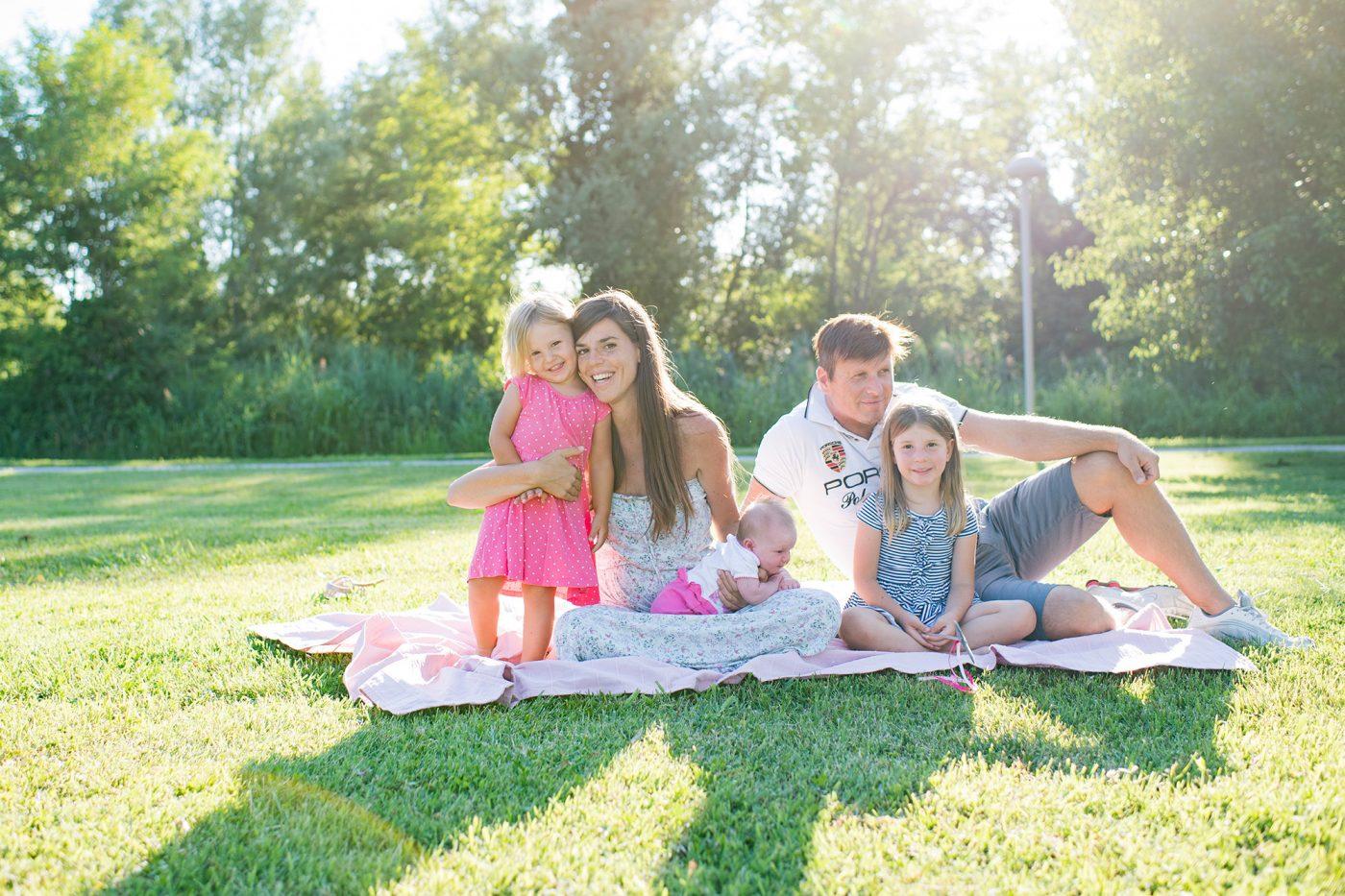 Foto di famiglia all'aperto